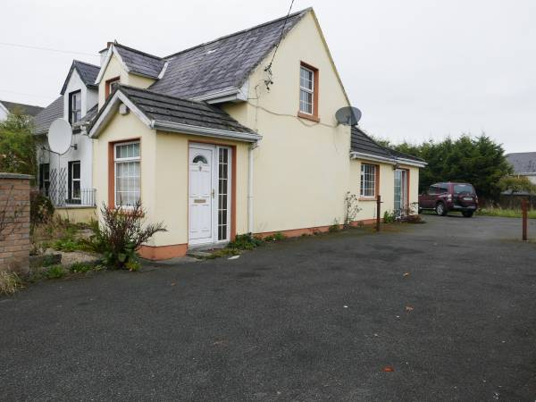942 Dublin Road, Edenderry, Offaly.
