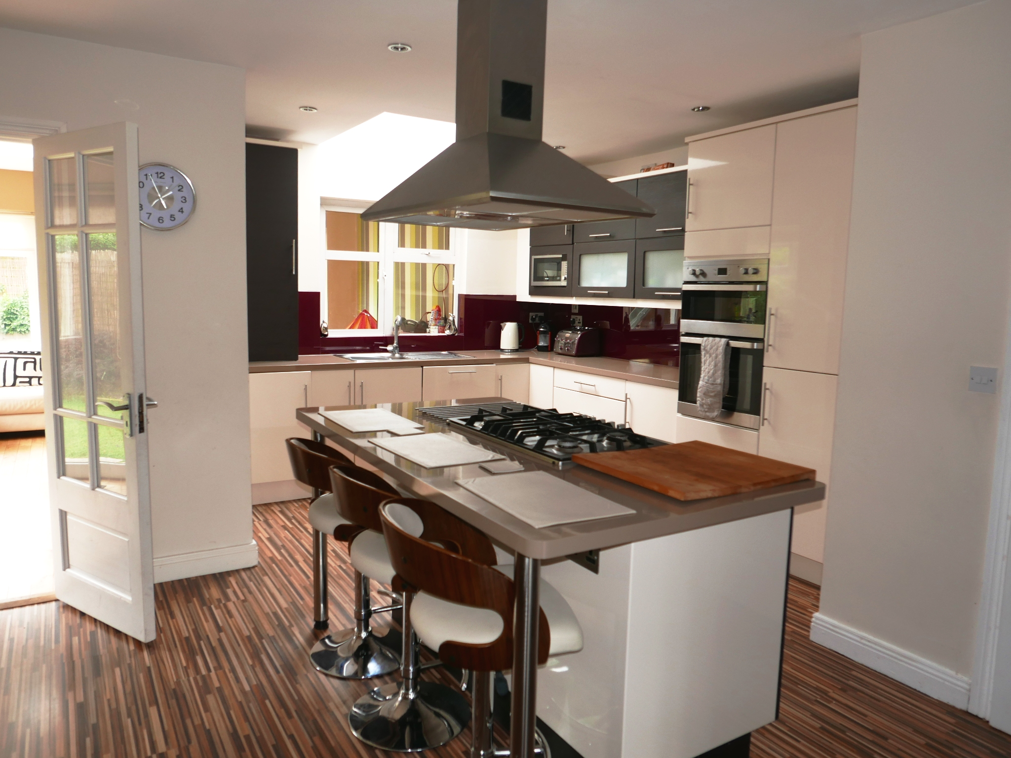 Superb 4 Bed Semi Detached House With Rear Extension